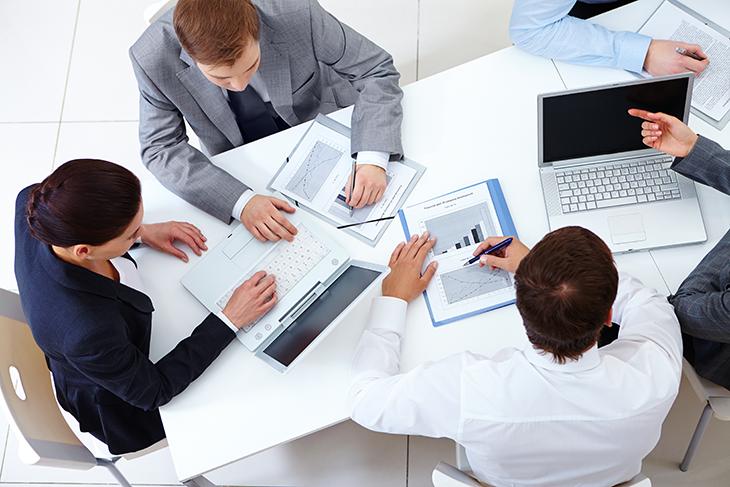 Falta de revisão do trabalho e análise dos resultados